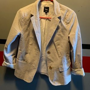Adorable Seer Sucker Blazer Size 2 Gap